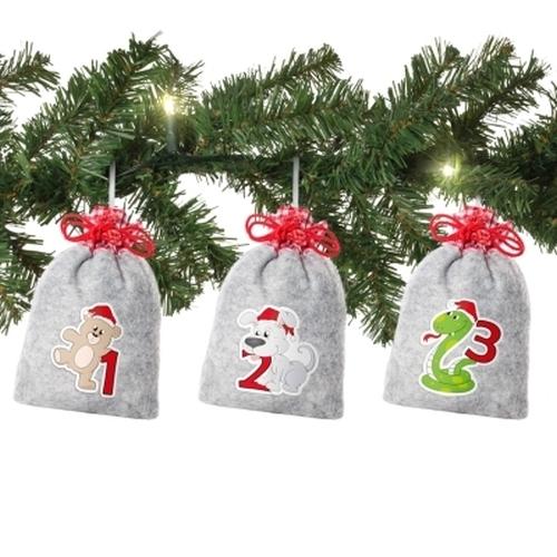 Weihnachtstiere auf Filz<br><br>inkl. XL-Tannengirlande